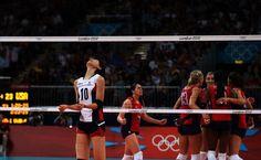 2012 런던올림픽에서 36년 만에 메달 사냥에 나선 한국 여자 배구 대표팀이 세계 최강 미국의 벽에 가로막혀 사상 첫 결승 진출이 무너졌다.