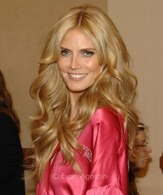 Victoria secret hair- Heidi klum  NOW HOW F'N HARD IS THIS TO DO!?!?! NOT F'N ULTIMATE GRAND SUPREME TIGHT CURLS FOR F'SAKE >:(