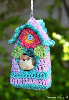 Living life creatively...: Crochet: Bird House. This has to be the sweetest looking bird house ever!
