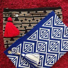 New collection clutchesDiscover thousands of images about Bolso de mano en crochet estilo wayuu clutch by VientosurSantander Crochet Clutch Bags, Crotchet Bags, Crochet Purses, Knitted Bags, Tapestry Crochet Patterns, Crochet Motifs, Crochet Stitches, Knitting Patterns, Crochet Case