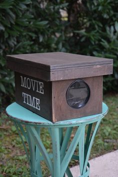 DIY Wooden Movie Project for Your iPhone - Thrift Diving
