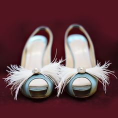 easy DIY shoe frou (HL ostrich feathers with bling button)