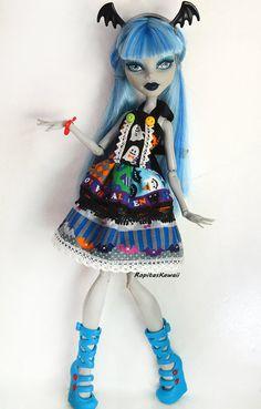 Vestido de halloween confeccionado a mano para muñeca mosnter high de RopitasKawaii en Etsy