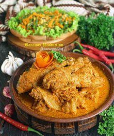 17 Resep masakan lebaran © 2020 Instagram/@nenipuspit ; Instagram/@banususanto Indonesian Food, Diy Food, The Best, Recipies, Curry, Food And Drink, Menu, Snacks, Dishes