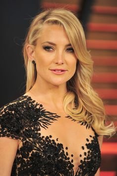 Kate Hudson's Photos of Her Boyfriend and Eldest Son with Baby Rani Rose Are Precious – Celebrities Woman Kate Hudson Hair, Celebrity Hairstyles, Blonde Hairstyles, Modern Hairstyles, Cool Blonde Hair, Celebrity Look, Celebrity News, Celebrity Makeup, Balayage Hair