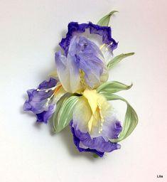 Ирис из шелка. Цветы из шелка. Несколько расцветок – купить в интернет-магазине на Ярмарке Мастеров с доставкой - FBL61RU