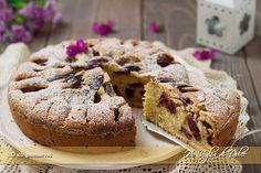 Torta di prugne soffice ricetta | Ho Voglia di Dolce Italian Cake, Italian Desserts, Biscotti Cookies, Something Sweet, Dolce, Banana Bread, Cheesecake, Deserts, Sweets