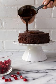 Chocolate ganache - dessert for two recheios e coberturas in Chocolate Cake For Two Recipe, Mini Chocolate Cake, Chocolate Ganache, Chocolate Desserts, Decadent Chocolate, Chocolate Muffins, Chocolate Truffles, Cupcakes, Cookies Cupcake
