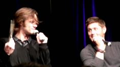 Supernatural ChiCon 2011 J2 panel - Jared's Flying Hair