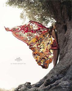 La campagne de publicité printemps été 2012 Hermès avec Bette Franke