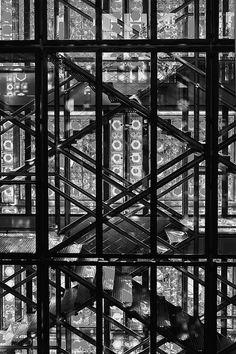 Paris facade. Untitled by Neu7rinos, via Flickr.