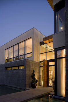Kern Residence - espelho d'água, jardim...