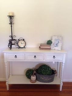 113cm Cream 3 Drawer Console**DAMAGED**French Provincial**Hall Table/TV Stand*