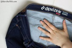 How to alter your jeans waistband, to take in a too big waist and remove the gap. A sewing DIY. Sewing Hacks, Sewing Crafts, Sewing Projects, Sewing Diy, Make Skinny Jeans, Altering Jeans, Sewing Jeans, Sewing Alterations, Diy Clothes
