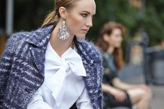 Jus www.juslabels.com Orecchini morbidi in tessuto con paillettes/ soft, fabric earrings with sequins  sx cappotto: imissw