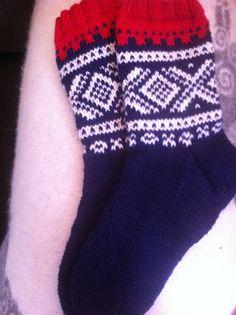 Marius sokker. Socks, Knitting, Diy, Fashion, Threading, Stockings, Do It Yourself, Moda, Tricot