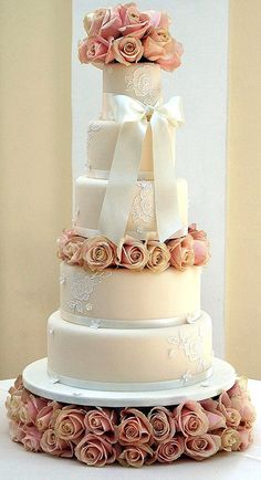 Blenheim Roses Cake by Sweet Tiers Cakes (Hester), via Flickr