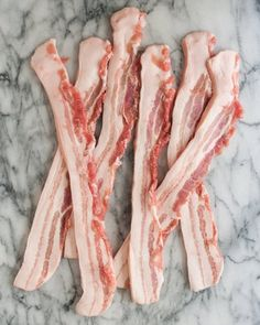 For people on a low-sodium or salt-free diet, this is bacon that looks, smells, and tastes like the real thing - and it only takes an hour. No Sodium Foods, Low Sodium Diet, Low Sodium Recipes, Diet Recipes, Amish Recipes, Paleo Meals, Bacon Recipes, Low Carb