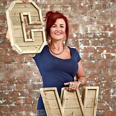 Learn how to make your own wooden marquee letter from pallets and reclaimed with various powertools. Pallet Letters, Wood Letters, Steel Shelf Brackets, Woman Cave, Upcycle, Reuse, Homemade Christmas Gifts, Last Minute Gifts, Wooden Pallets