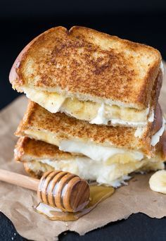 Drooling over this Honey Banana Grilled Cheese Sandwich recipe.
