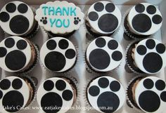 Pawprint cupcakes  Cake by Jakescakes