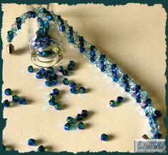 Pulsera Trío - Tupis de cristal Swarovski en tonos azules con delicas Miyuki azulonas y cierre imantado. Bracelets, Jewelry, Fashion, Exhibitions, Crystals, Blue Nails, Bangle Bracelets, Moda, Jewlery