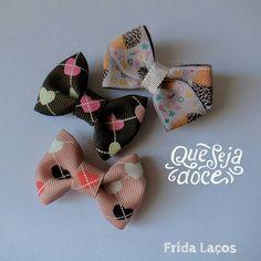 Laços delicados feito à mão!    Insta: @fridalacos Face: Frida Laços  Whats: (17)99252-1987   #fridalacos  #colors #baby #cute #love #maedemenina #feitoamao #handmade #fofuradodia #amorenvolvido  #babygirl #girls #menina  #gravidas #maedemenina  #coisademenina #maedeprincesa #laços #minilacos #lacinhos #lacos #bow #hairbow #amamoslaços #miniblogueiras #minifashionistas #chame #delicado