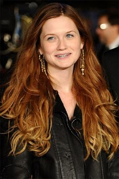 The perfect Red Ombre -- Bonnie Wright Auburn Ombre, Blond Ombre, Red Ombre Hair, Neon Hair, Violet Hair, Auburn Hair, Bonnie Wright, Betty Wright, Sombre Hair