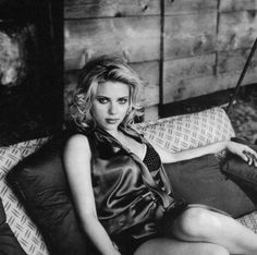 Scarlett Johansson B&W Scarlett Johansson, Scarlett And Jo, Steve O, Black Widow Natasha, Elle Fanning, Hollywood Walk Of Fame, Charlize Theron, Gal Gadot, Beautiful Celebrities