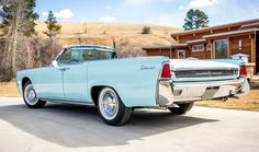 Continental… 1961 Lincoln convertible in Blue Haze