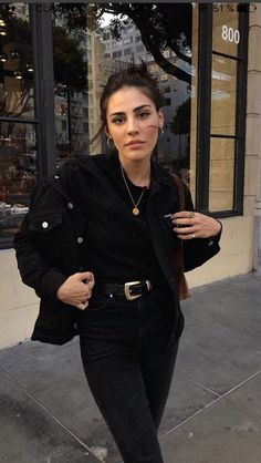 All black casual denim outfit Black Women Fashion, Look Fashion, Winter Fashion, Black Aesthetic Fashion, Fashion Edgy, Pink Aesthetic, High Fashion, Mode Outfits, Casual Outfits