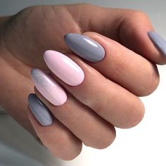 Gentle ombre nails, grey nails, obmre gel polish nails, party nails, pink g Nail Art Design Gallery, Best Nail Art Designs, Nail Design, New Year's Nails, Hot Nails, Nagel Hacks, Nagellack Design, Gel Nails French, Bridesmaids Nails