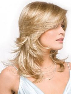 10 Fabulous Feathered Hairstyles For Long Straight Hair Hairstyles For Layered Hair, Feathered Hairstyles, Pretty Hairstyles, Straight Hairstyles, Hairstyle Images, Classy Hairstyles, Hairstyles Pictures, Modern Hairstyles, Short Hair With Layers