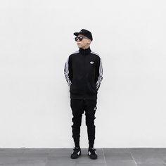 Loic - Adidas Firebird Track Jacket, Karen Walker Deep Freeze Black, Adidas Superstar Cuffed Track Pants, Adidas Superstar Shoes, Stampd Black Glass Under Brim Hat - Adidas noir