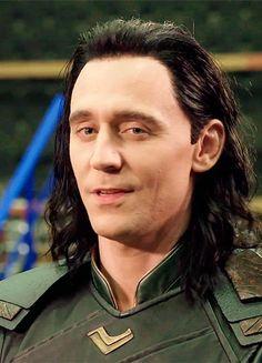 Thor Ragnarok - Australia - Hanging With Tom Hiddleston: https://www.youtube.com/watch?v=YVeIt7GZvtA&feature=youtu.be