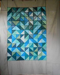 http://acuppaandacatchup.com/2011/07/random-half-square-triangle-love/