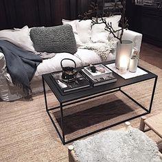 "domo auf Instagram: ""| gm | love this styling by fab @pellahedeby | our matt black Domo rectangle | #domodesign #svensktillverkat #soffbord"""