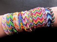 Bracciali in cotone colorati