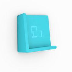 Supersmart, liten och snygg hylla för mobilen. På toaletten så slipper du lägga mobilen på ett blött tvättställ eller på golvet.  www.crazydaisy.se