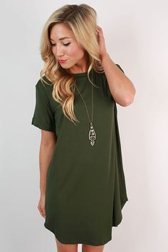 Take a chance on this hunter green t-shirt dress and you won't be disappointed! Dress it up with a glam necklace and wedges, or dress it down with sneakers and a cross body bag!