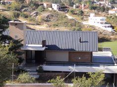 ¡Casa en venta en Barrio Villa del Lago! http://venta-casas.vivavisos.com.ar/compra-casas+villa-carlos-paz/espectacular-casa-con-vista-panoramica/44293569