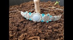 Handmade macrame bracelet inspired on the Merlin's legend. According to the legend, Nimue was the lady of the lake and was somehow related to Avalon. Registe...
