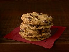Ghirardelli Crispy Crunchy Chocolate Chip Cookies https://www.ghirardelli.com/recipes-tips/recipes/crispy-crunchy-chocolate-chip-cookies