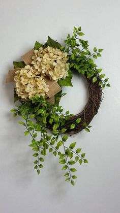 Hydrangea wreath, Fall wreath, Everyday wreath, Rustic wreath, Farmhouse wreath, Summer wreath, Christmas wreath, Spring wreath, Farmhouse décor, Hydrangeas This charming, rustic wreath is the perfect addition to your everyday or holiday décor. It has a great farmhouse vibe while