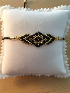 1 million+ Stunning Free Images to Use Anywhere Bracelets Fins, Bead Loom Bracelets, Bracelet Crafts, Unique Bracelets, Seed Bead Jewelry, Bead Jewellery, Beaded Jewelry, Jewelery, Beaded Bracelets