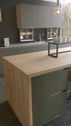 Kitchen Pantry Design, Interior Design Kitchen, Kitchen Decor Themes, Home Decor Kitchen, Contemporary Kitchen Design, Cuisines Design, Kitchen Remodel, Apartment Hacks, College Hacks