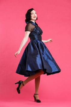 .Lola-Lee - Gorgeous classic taffette dress