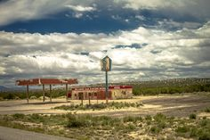 Big Chief Gas Station from Breaking Bad New Mexico Albuquerque, Land Of Enchantment, West Texas, Geronimo, Gas Station, Breaking Bad, Road Trips, Geography, Larry