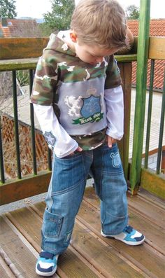 Jungshose, Schnittmuster, recycle-style farbenmix Sewing For Kids, Baby Sewing, Make Your Own Clothes, Summer Trends, Hoodies, Sweatshirts, Boy Fashion, Cute Boys, Boy Outfits