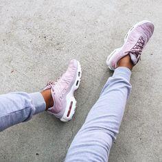 Sneakers femme - Nike Air Max plus (©evemeetswest)